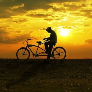 Lonely,man,man,alone,man,on,bicycle,sad,sunset,gg-2921ea7933cf623a4b7d01753b0e9493_h
